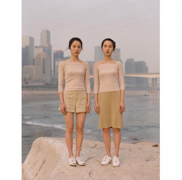 Bộ ảnh chân dung phụ nữ khác hẳn chuẩn mực thông thường của người Trung Quốc