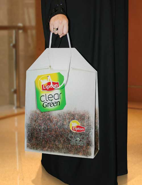 Quảng cáo ngày một dễ dàng với những ý tưởng 'trời ơi đất hỡi' trên túi xách