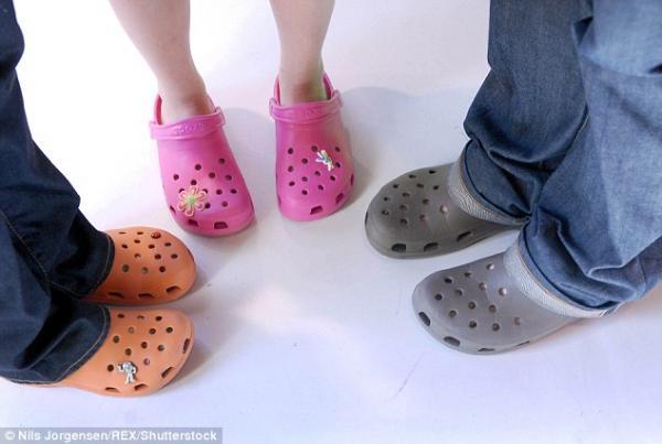 Hãng của những đôi giày xấu 'tàn nhẫn' - Crocs đang dần đóng hết cửa hàng?