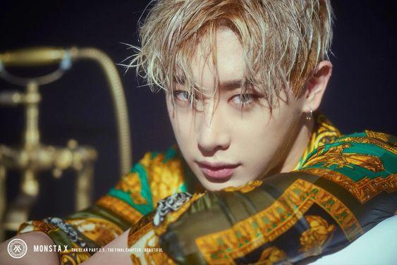 Hậu trường lầy lội đằng sau những tấm ảnh sexy, siêu ngầu của idol K-Pop