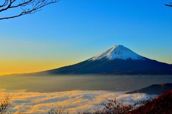 Chuyện khó tin: Tắc đường đến không thể đi nổi ngay trên đỉnh núi Phú Sĩ