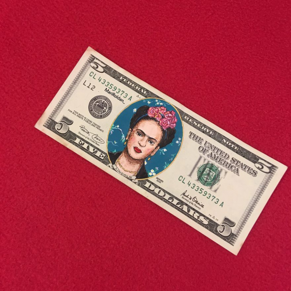 Họa sĩ Tây Ban Nha biến các tờ tiền thành tuyệt tác nghệ thuật và để nó chu du vòng quanh thế giới thay mình