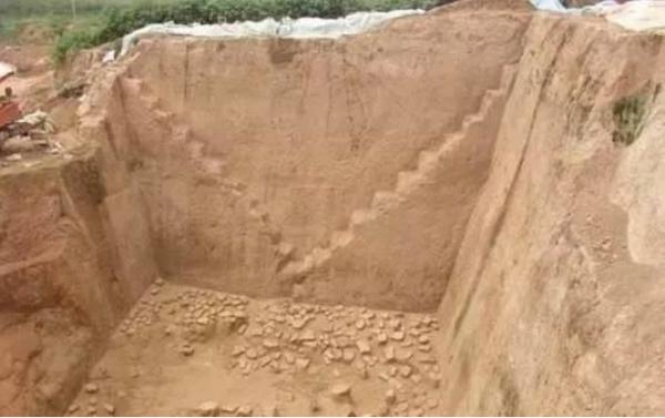 Để đối phó với nạn trộm mộ, các ngôi mộ cổ xưa được thiết kế 'thiên la địa võng' khó tưởng tượng