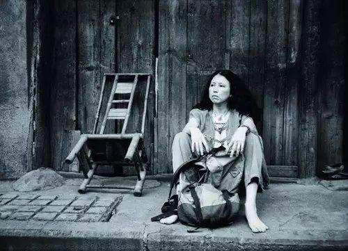 Chuyện tình không thành của ca vương và mỹ nữ: Vạn dặm tìm đến, 121 ngày ly biệt, cuối cùng là treo cổ tự vẫn