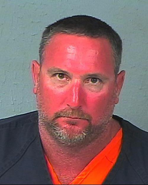 Tội phạm bị tóm đã 'nhọ', bị chụp ảnh chân dung 'khó đỡ' thế này làm sao hoàn lương?