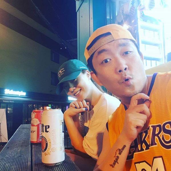 'Thánh nữ' Ryu Hwayoung bị lộ hình ảnh hẹn hò bạn trai hơn 16 tuổi, đã có một đời vợ