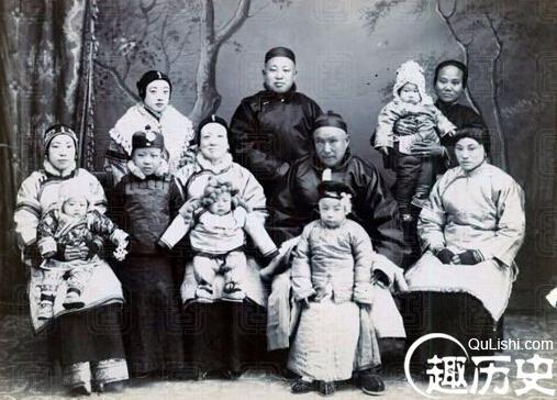 Viên Thế Khải và Từ Hi Thái hậu đều uống sữa mẹ, nhưng mục đích của mỗi người lại khác nhau