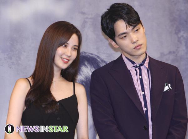 Sau 'phốt' thái độ nam chính bỏ ngang vai diễn, phim của Seohyun tương lai mờ mịt