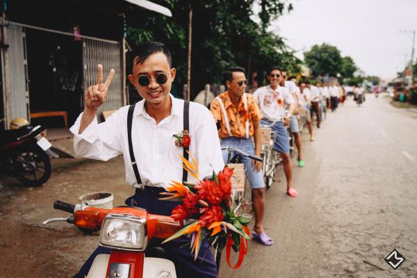 Bộ ảnh cưới 'hương đồng gió nội' của Cô Mít - Cậu Tèo cùng hội bạn thân lầy lội nhất An Giang