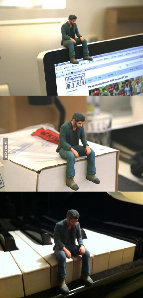 'Keanu Buồn Bã' được sản xuất thành mô hình và sẵn sàng theo bạn đi khắp thế gian