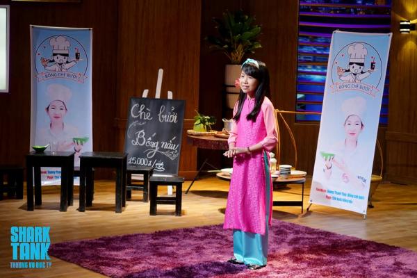 Cô bé 11 tuổi khởi nghiệp bán chè bưởi: Thần đồng kinh doanh hay chiêu trò PR?