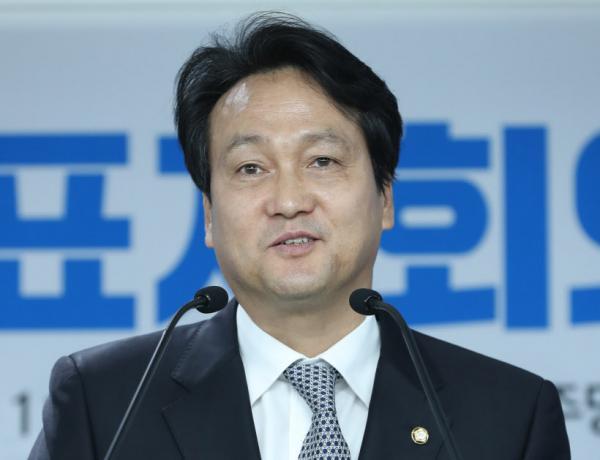 Đề cập đến BTS khi bàn về việc miễn nghĩa vụ quân sự, nhà lập pháp người Hàn gây tranh cãi dữ dội