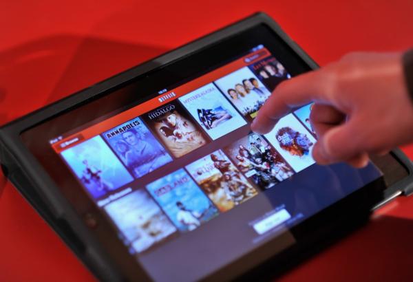 Xuất thân từ màn ảnh nhỏ, đế chế truyền hình Netflix lại đang 'âm mưu' chinh phục màn ảnh rộng?