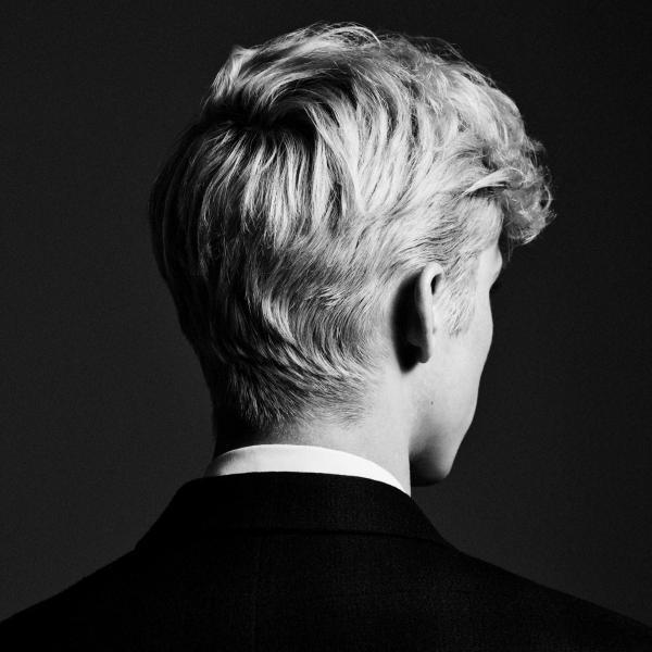 'Bloom' (Troye Sivan): Khi 'trưởng thành' không chỉ là một từ