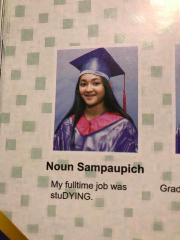 Cười 'té ghế' với loạt trích dẫn 'bá đạo trên từng hạt gạo' của các học sinh Campuchia