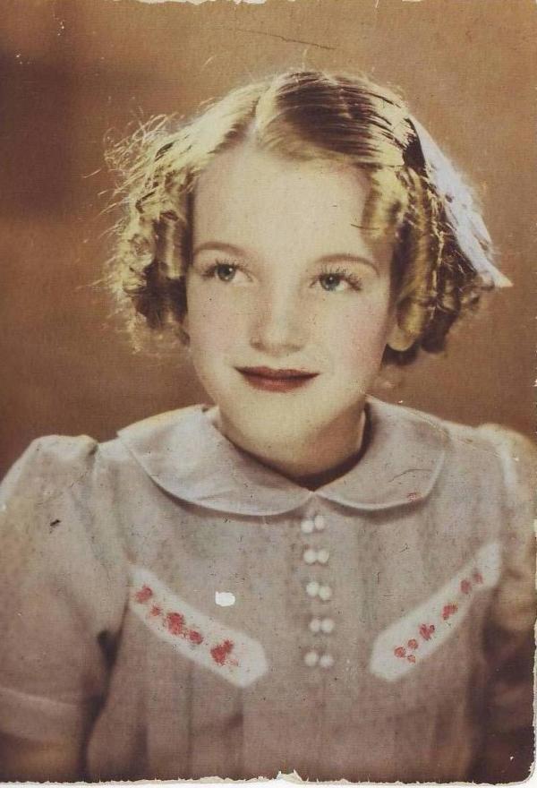 Những tấm ảnh cũ cực độc về người nổi tiếng mà bạn tìm 'mỏi mắt' trên tạp chí cũng không thấy