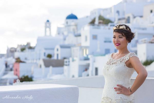Cô dâu gốc Việt tự kết hôn với... chính mình sau khi bị chồng sắp cưới bỏ rơi