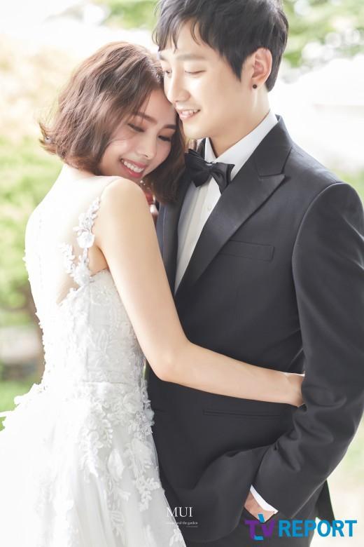 Giấc mơ 'tối cao': Bao nhiêu fangirl, fanboy đã thành công kết hôn cùng thần tượng?