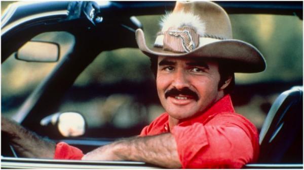 Burt Reynolds: Người mọi phụ nữ khao khát muốn có, đấng nam nhi mà cánh đàn ông muốn trở thành