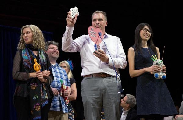 Ig Nobel 2018 - Giải Nobel phiên bản lỗi vinh danh những phát minh hài hước và điên rồ nhất của loài người