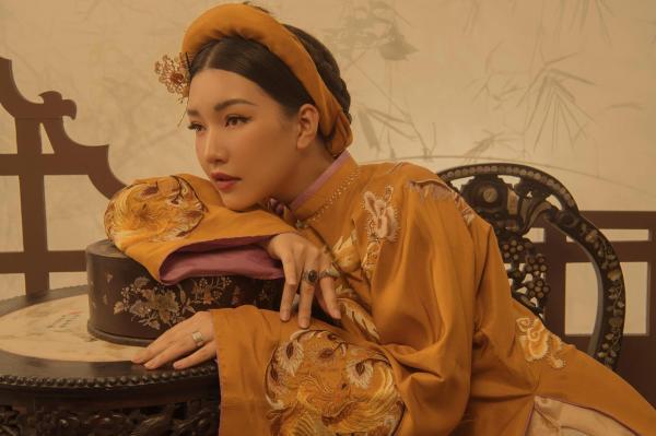 'Nàng Thơ Xứ Huế' nhưng lại khoác lên mình toàn trang phục ăn theo 'Diên Hi Công Lược', 'Như Ý Truyện'?