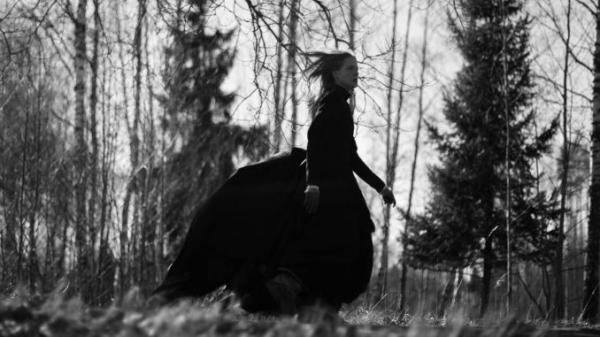 'Nàng Tiên Cá', 'Cô Bé Quàng Khăn Đỏ' và những phiên bản phim thần thoại, cổ tích đen tối ít người biết