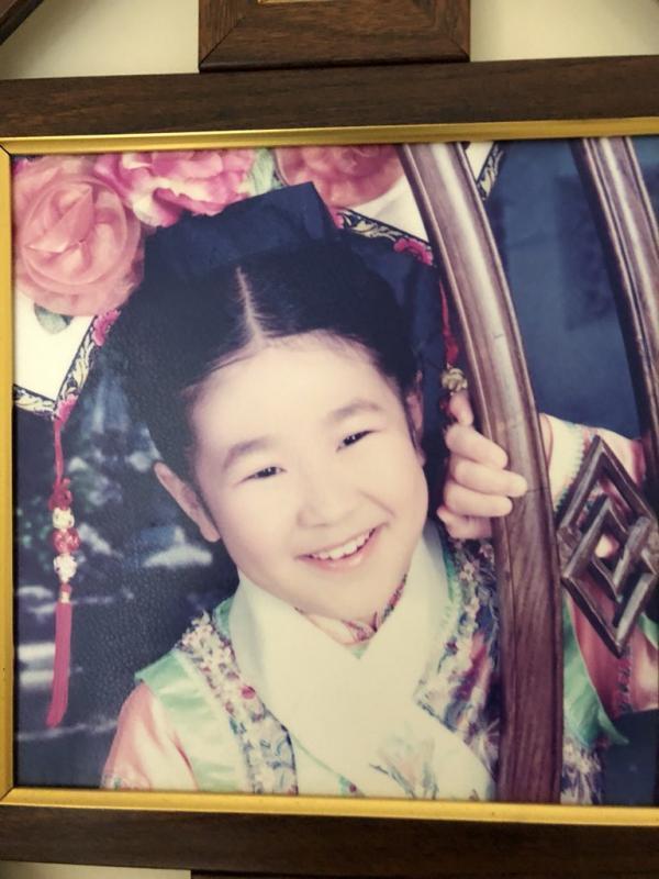 Nghe cô gái gốc Việt kể chuyện giả vờ làm công chúa Việt Nam để không bị bắt nạt trên đất Mỹ