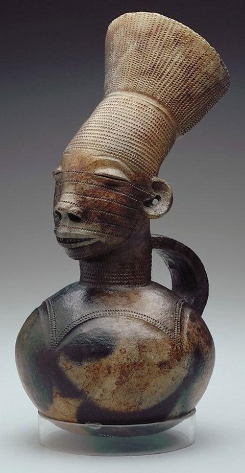 'Rợn người' với phong tục kéo dài hộp sọ của những tộc người cổ xưa trên thế giới