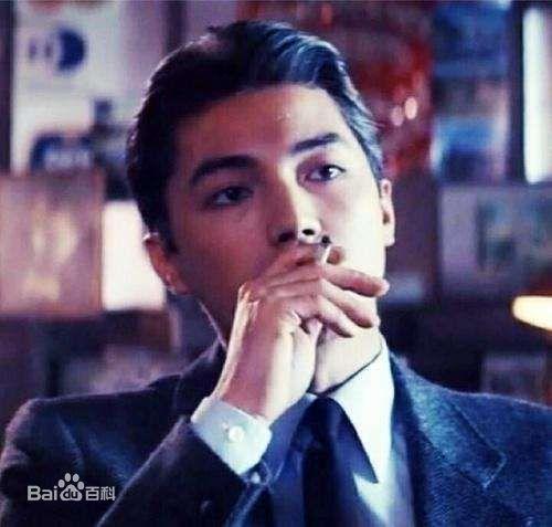 Tôn Long - Đại mỹ nhân Trung Hoa với vẻ đẹp và tài năng không thua gì Trương Quốc Vinh