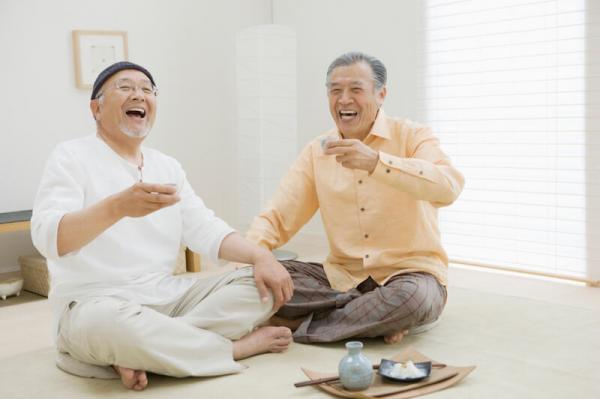 Cuộc sống quá buồn tẻ, một công ty Nhật Bản cho thuê đàn ông trung niên để thủ thỉ tâm sự