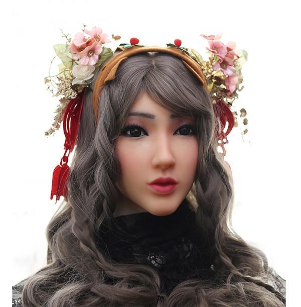 Không cần phẫu thuật đau đớn, cửa hàng bán đồ cosplay vẫn có thể giúp bạn 'chuyển giới' nhanh chóng và diệu kỳ