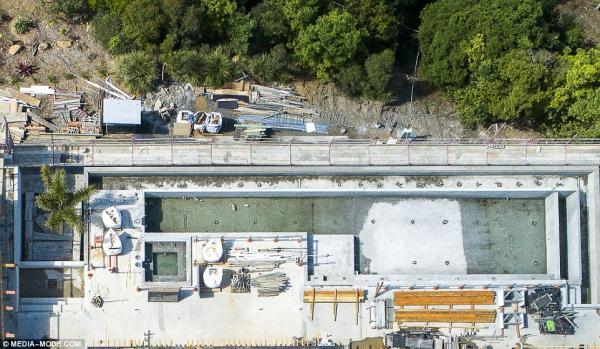 Nhà mới của 'Thần Sấm' Chris Hemsworth: Đẳng cấp làm thần nên nơi ở cũng xa hoa, hoành tráng khó tin