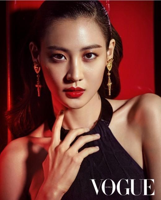Mỹ nữ Hàn đóng vai tử xà Nagini của Chúa tể Voldemort trong  'Fantastic Beasts 2' là ai?