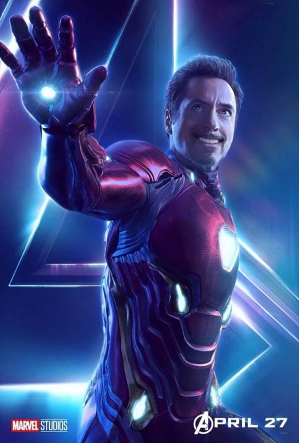 Bị thắc mắc sao không cười trong trailer mới, Captain Marvel 'bắt' các siêu anh hùng khác phải cười theo