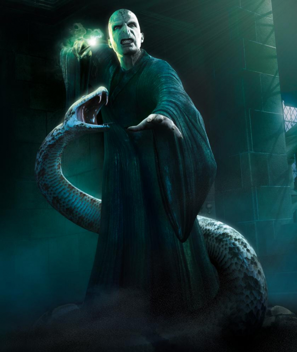 Chi tiết nào của 'Fantastic Beasts 2' còn gây sốc hơn cả việc Nagini từng là người?