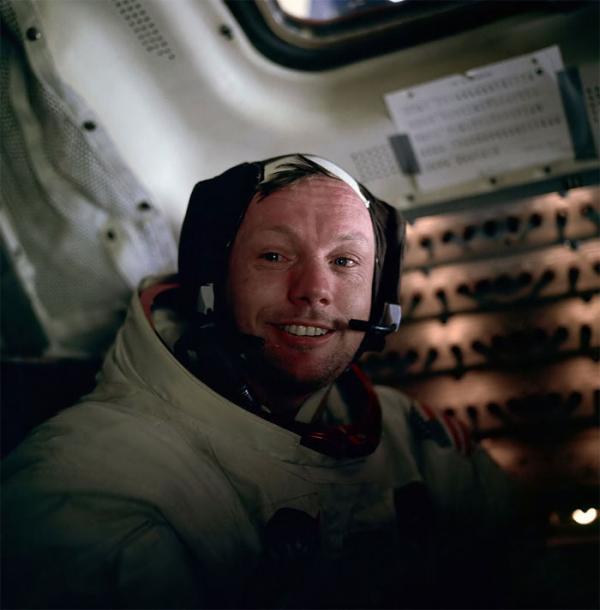 Xác minh 'thuyết âm mưu' dấu giày đầu tiên trên Mặt Trăng không thuộc về Neil Armstrong
