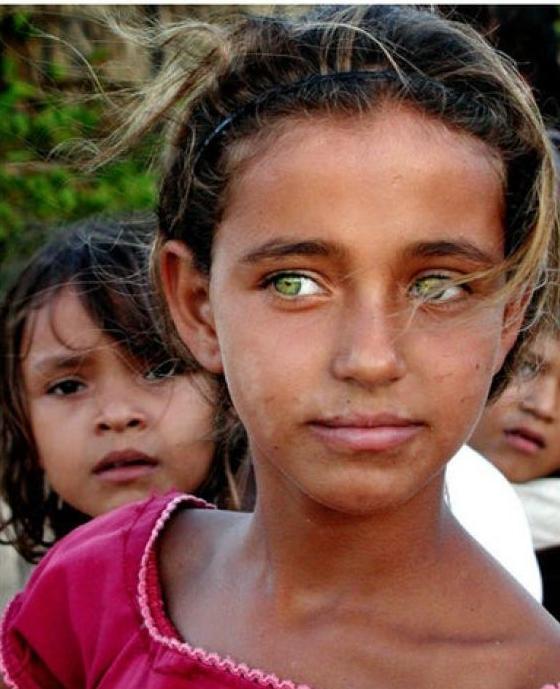 'Vì em mắt biếc nên ta mềm lòng': Thử một lần đắm chìm trong những đôi mắt đẹp nhất thế giới