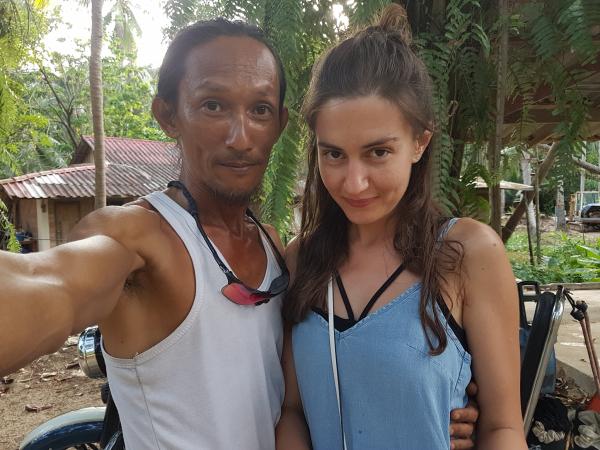 'Người hang động' Thái Lan gây tranh cãi vì hẹn hò với nhiều phụ nữ phương Tây