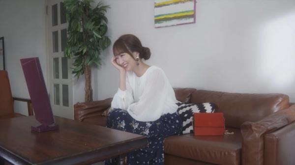 Nhật Bản đã phát minh ra chiếc 'gương thần' biết nịnh hót, 'thả thính' khiến chị em vui vẻ cả ngày
