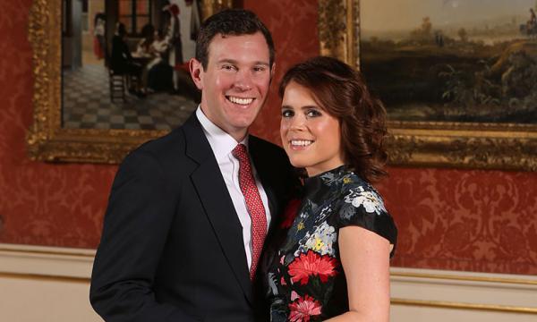 Người vô gia cư tủi thân vì bị xua đuổi một cách vô lý trước lễ cưới của công chúa nước Anh
