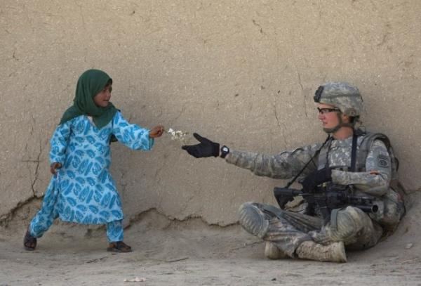Dù thế giới ngoài kia tàn nhẫn cỡ nào, hãy để 20 bức ảnh này chữa lành những tổn thương trong bạn