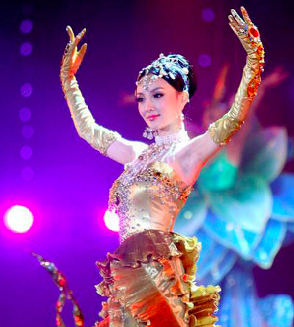 Truyền thông xác nhận Địch Lệ Nhiệt Ba là Nữ thần Kim Ưng năm nay, sẽ là nữ thần đẹp nhất trong lịch sử?
