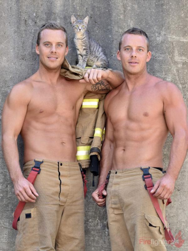 Combo lính cứu hỏa cùng động vật đáng yêu trở lại làm 'nóng chảy' bao trái tim thiếu nữ