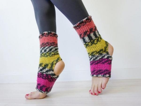 Khi đông đã về mà bạn vẫn còn luyến tiếc mùa hè thì hãy 'tậu' ngay những đôi tất này