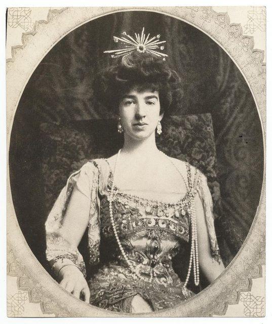 Gloria Vanderbilt: Từ tiểu thư của gia tộc giàu nhất nhì nước Mỹ cho đến tài nữ khuynh đảo làng thời trang