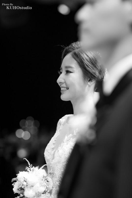 Chê không tiếc lời nhưng chính anti-fan phải 'tắt đài' khi nghe Chanyeol (EXO) hát trong đám cưới chị gái