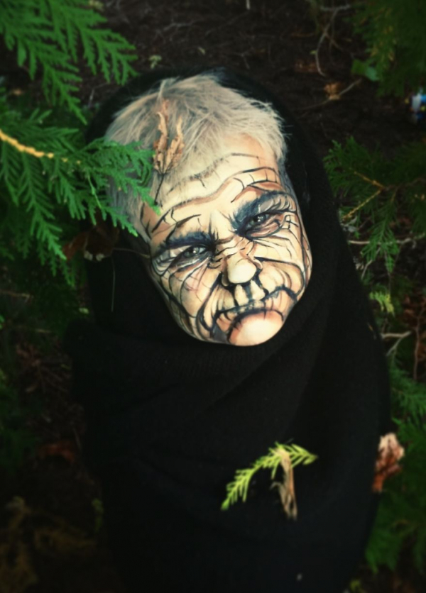 Đồ hóa trang Halloween xưa rồi, bây giờ body painting mới là mốt!