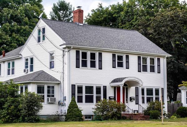 Liệu có cần phải nói cho người mua biết rằng ngôi nhà của bạn có... ma?