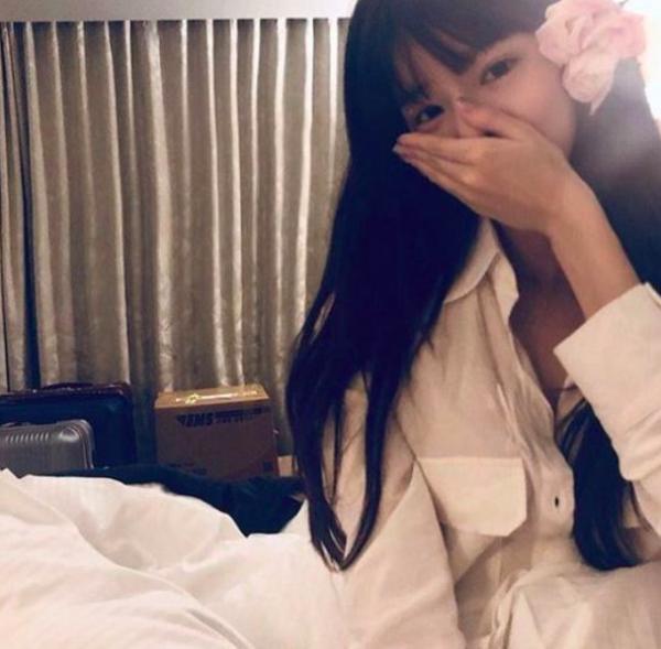 HOT: Hé lộ bằng chứng hẹn hò và nhan sắc thật của bạn gái Seung Ri (Big Bang)