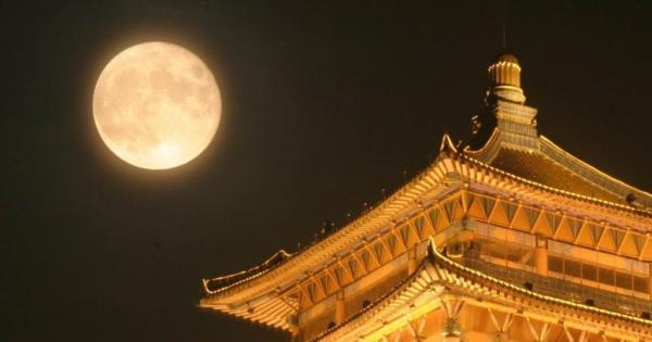 Hết hồn khi nghe tin Trung Quốc muốn phóng Mặt Trăng thứ 2 lên bầu trời để khỏi phải lắp đèn đường